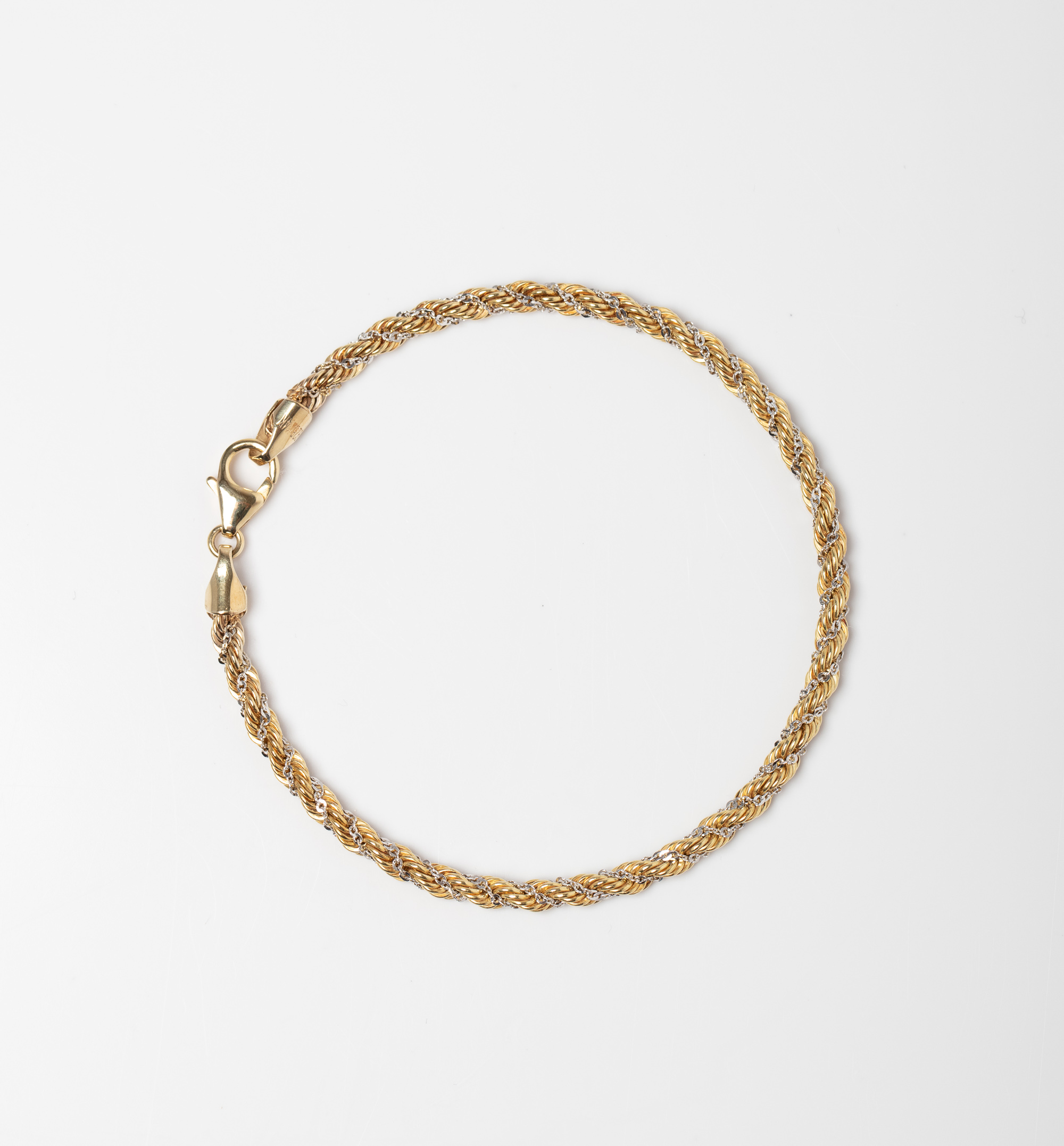 A 9CT GOLD & SILVER BONDED TWO TONE ROPE BRACELET