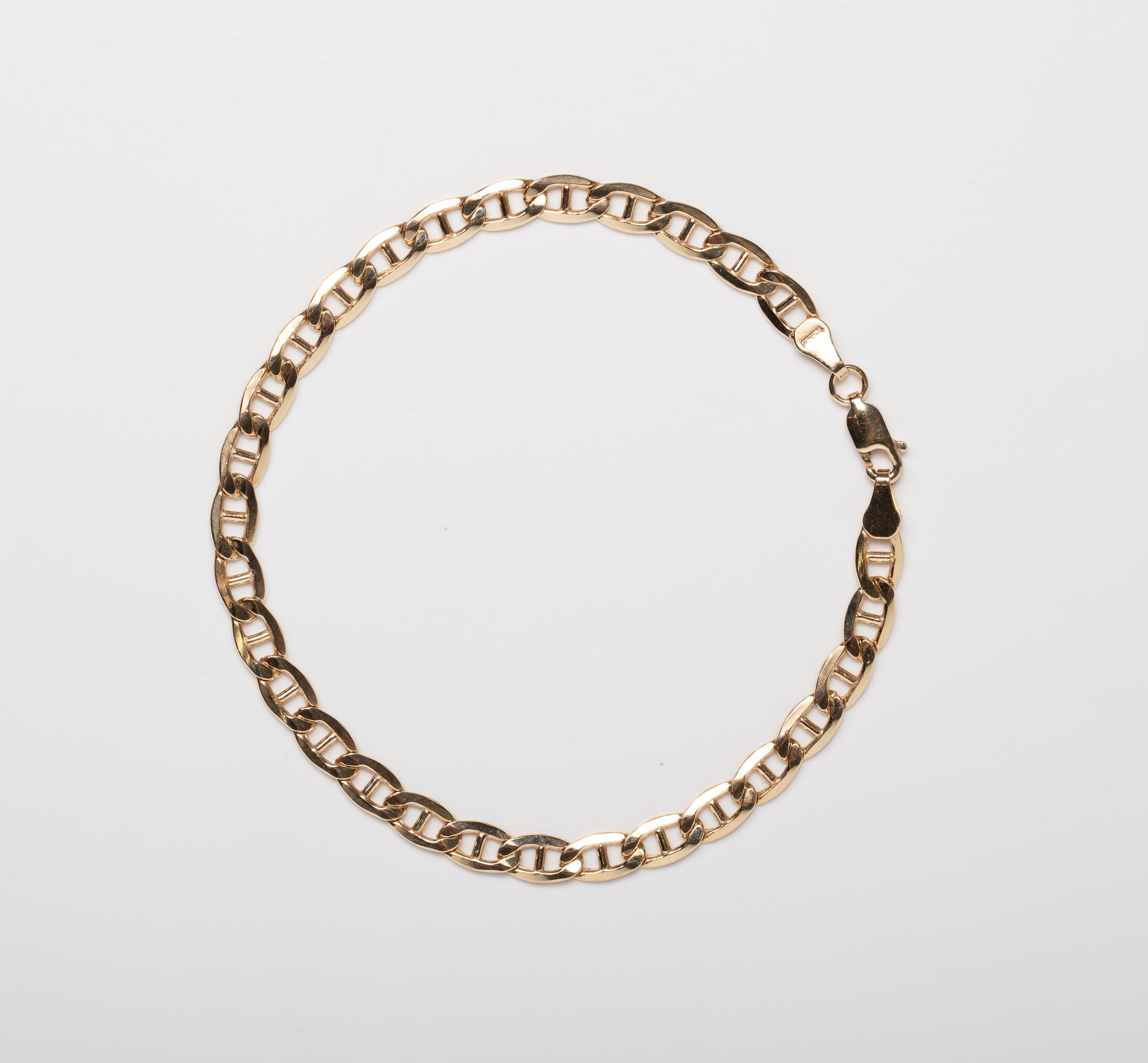 A 9CT GOLD & SILVER BONDED MARINER BRACELET