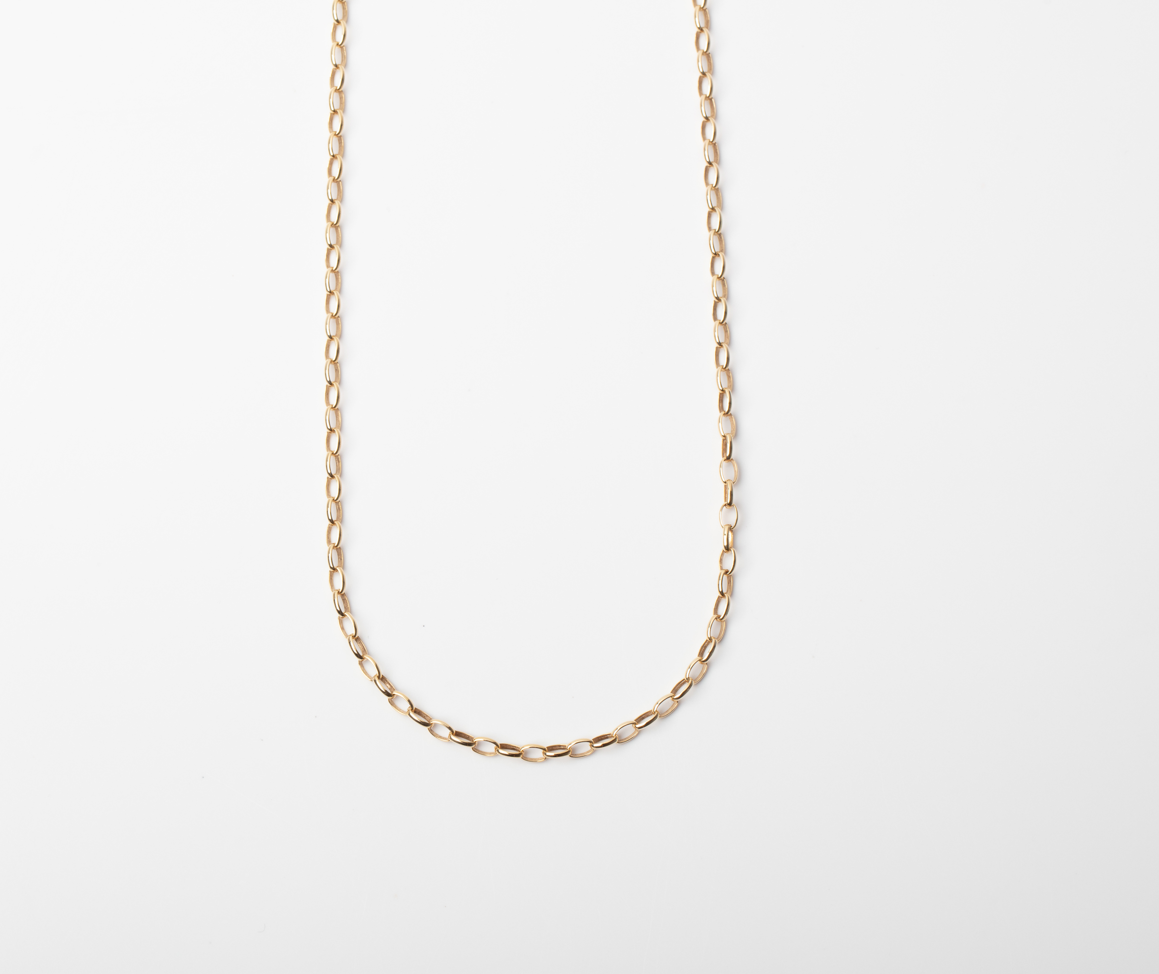 A 9CT GOLD AND SILVER BONDED OVAL LINKED CHAIN