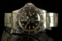 GENTLEMENS TUDOR OYSTER PRINCE SUBMARINER WRISTWATCH REF. 7016/0, circular black dial with light