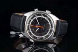 GENTLEMEMS OMEGA SEAMASTER CHRONOSTOP WRISTWATCH REF. 145.008, circular black pie pan dial with