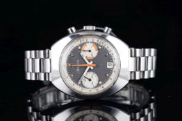 GENTLEMENS BULOVA CHRONOGRAPH WRISTWATCH, circular grey twin register dial with orange accents,