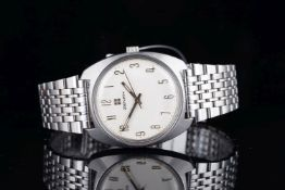 GENTLEMENS ZENITH WRISTWATCH, circular cream dial with silver Arabic numeral and hands, 35mm s/s