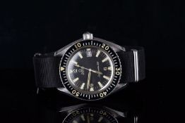 GENTLEMENS OMEGA AUTOMATIC SEAMASTER 300 DIVER WRISTWATCH REF. 165.024, circular black dial with