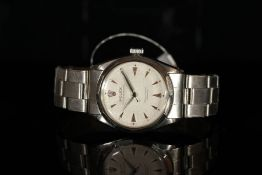 GENTLEMENS ROLEX SEMI BUBBLE BACK WRISTWATCH, circular honeycomb dial with arrow hour markers,