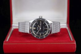 LADIES OMEGA SEAMASTER 120 DATE WRISTWATCH W/ BOX, circular black dial with lume hour markers and