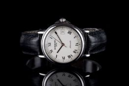 GENTLEMENS RAYMOND WEIL AUTOMATIC DATE WRISTWATCH, circular off white dial with black roman numerals