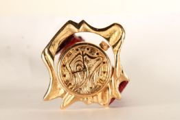 RARE ANTONINO RANDO SCULTORE LIMITED EDITION OF 99 WRISTWATCH, circular gold dial with sculpture