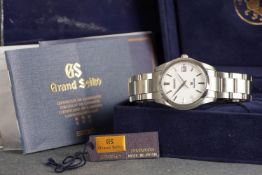 GENTLEMENS GRAND SEIKO DATE WRISTWATCH W/ BOX & PAPERS REF. SBGX059G, circular white dial with