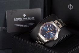GENTLEMENS BAUME & MERCIER CLIFTON DATE WRISTWATCH W/ BOX & WARRANTY CARD, circular blue two tone