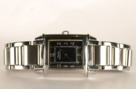 LADIES GIRARD PERREGAUX WRISTWATCH REF 2591, rectangular black dial with arabic numbers, 23mm