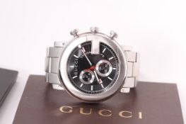 GENTLEMEN'S GUCCI CHRONOSCOPE REFERENCE 10713589, black radial dial, two subsidiary dials, stainless