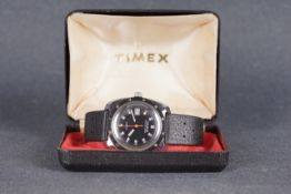 GENTLEMENS TIMEX DIVERS DATE WRISTWATCH W/ BOX, circular black dial with block hour markers and