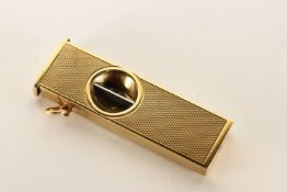 Rostfrel Cigar Cutter, stamped 9ct yellow gold, approximate length when closed 5cm.