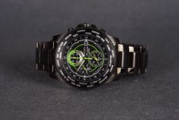 GENTLEMENS SEIKO CHRONOGRAPH 100M DATE WRISTWATCH, circular black dial with green accents, silver