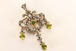 Chandelier-Style Pendant, set with peridots, diamonds and seed pearls, approximate total length 5cm,