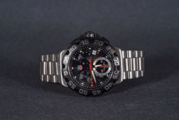 GENTLEMENS TAG HEUER FORMULA 1 CHRONOGRAPH WRISTWATCH W/ CARD, circular triple register dial with