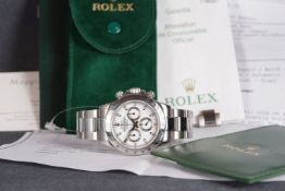 GENTLEMENS ROLEX OYSTER PERPETUAL SUPERLATIVE COSMOGRAPH DAYTONA CHRONOGRAPH WRISTWATCH W/ PUNCHED