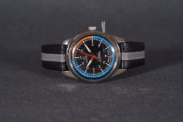 GENTLEMENS ROAMER WRISTWATCH, circular black dial with hour markers and hands, 35mm stainless