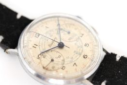 GENTLEMENS VINTAGE BREITLING CHRONOGRAPH WRISTWATCH, circular silver dial with arabic numbers,