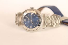 BOUCHERON WRISTWATCH, circular blue dial, stainless steel case with rotating outer bezel,
