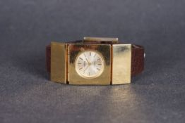 UNUSUAL LADIES PARKER OVERSIZE WRISTWATCH, circular silver dial with gold hour markers and hands,
