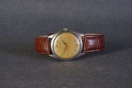 GENTLEMENS LONGINES WRISTWATCH, circular patina dial with applied gold hour markers and alpha hands,