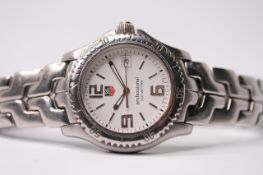 TAG HEUER WRISTWATCH, quartz movement