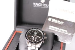 GENTLEMENS TAG HEUER CARRERA WRISTWATCH REF CV7A12 W/BOX, PAPERS & SPARE LINKS, circular black