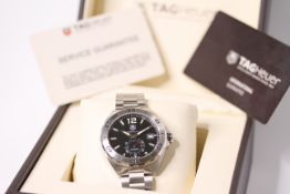 GENTLEMENS TAG HEUER FORMULA 1 CALIBRE 6 WRISTWATCH REF WAZ2110 W/BOX & PAPERS, circular black
