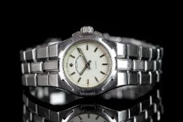 LADIES VACHERON CONSTANTIN OVERSEAS WRISTWATCH, circular silver dial with silver hour markers and