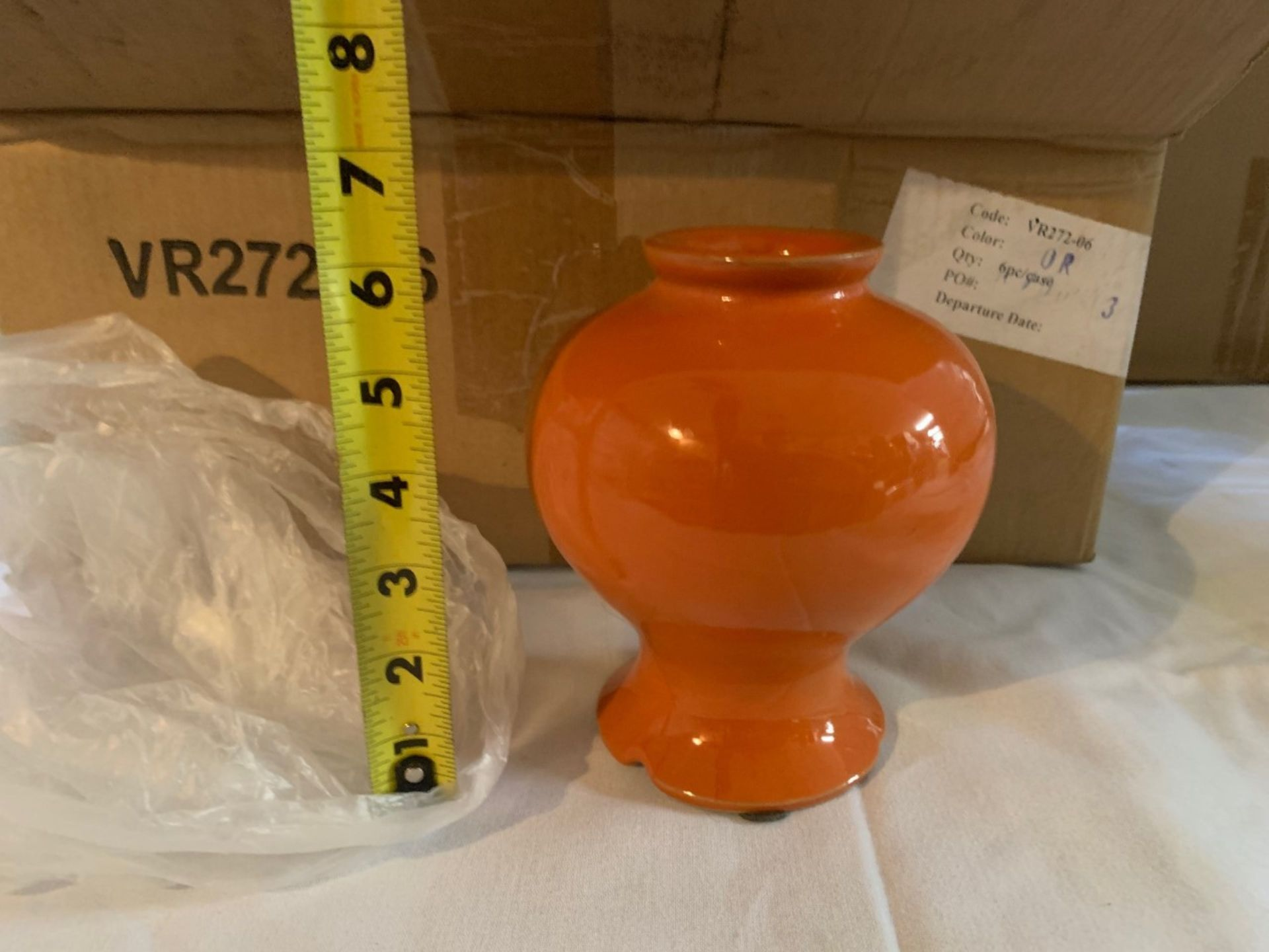 Lot 1452 - Vase Pottery VR272-06 mixed colors
