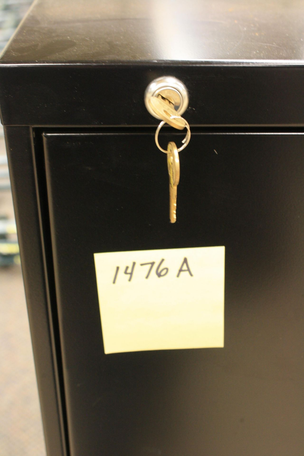 Lot 1479a - Lateral file w/key
