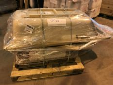 PALLET CONTAINING 1 X BATH AND 4 X VARIOUS RADIATORS ( PLEASE NOTE PICK UP FOR THESE ITEMS IS AT