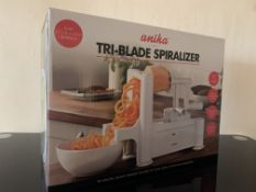 12 X BRAND NEW ANIKA TRI-BLADE SPIRALIZERS IN 2 BOXES