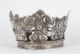 Corona colonial en plata repujada y cincelada.Corona colonial en plata repujada y cincelada. Po