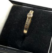 9ct gold diamond ring ring size approx Q/R weight approx 1.6g