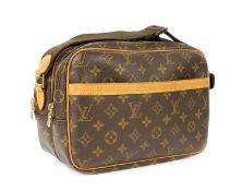 A Louis Vuitton monogrammed canvas 'Reporter' bag,