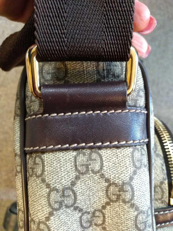 A Gucci beige coated canvas shoulder bag - Image 4 of 7