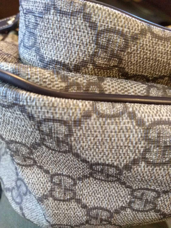 A Gucci beige coated canvas shoulder bag - Image 7 of 7