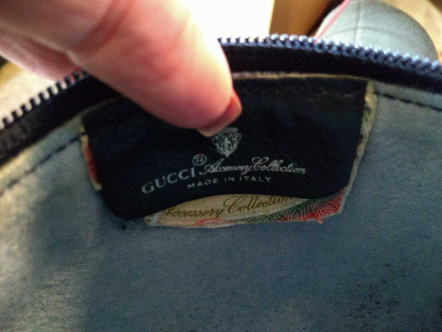 A Gucci Accessory Collection beige coated canvas and blue leather zip shoulder bag - Image 5 of 7