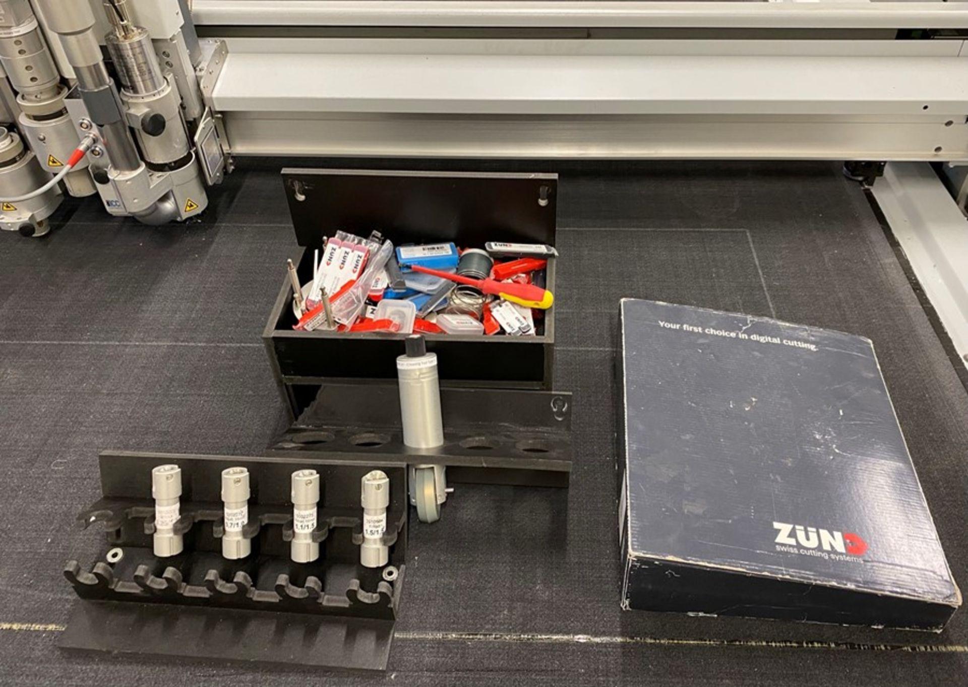 Zund G3 3XL-3200CV digital cutter (2014) - Image 35 of 37