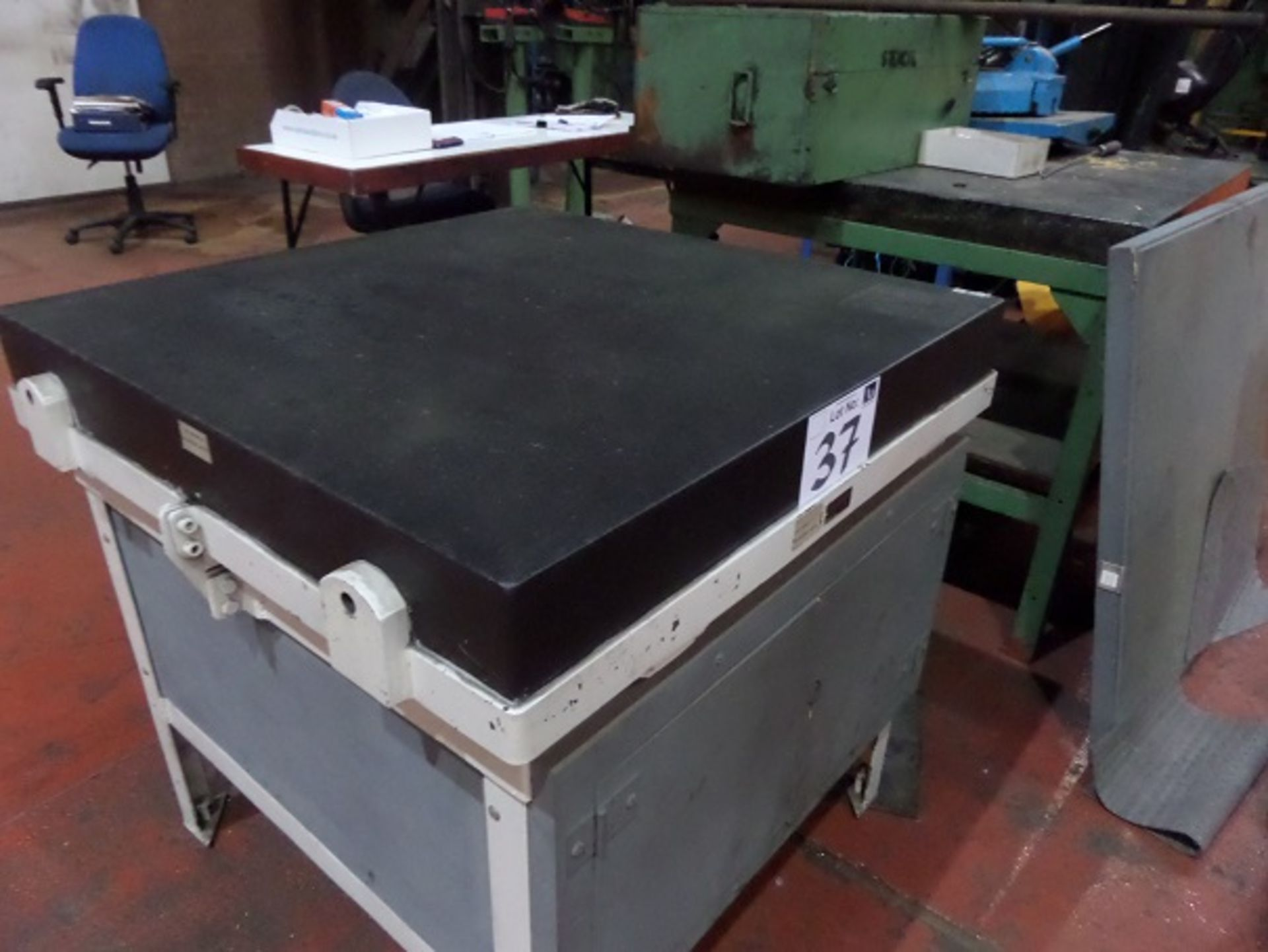 Lot 32 - Granite Inspection Table 900 x 900mm On Stand