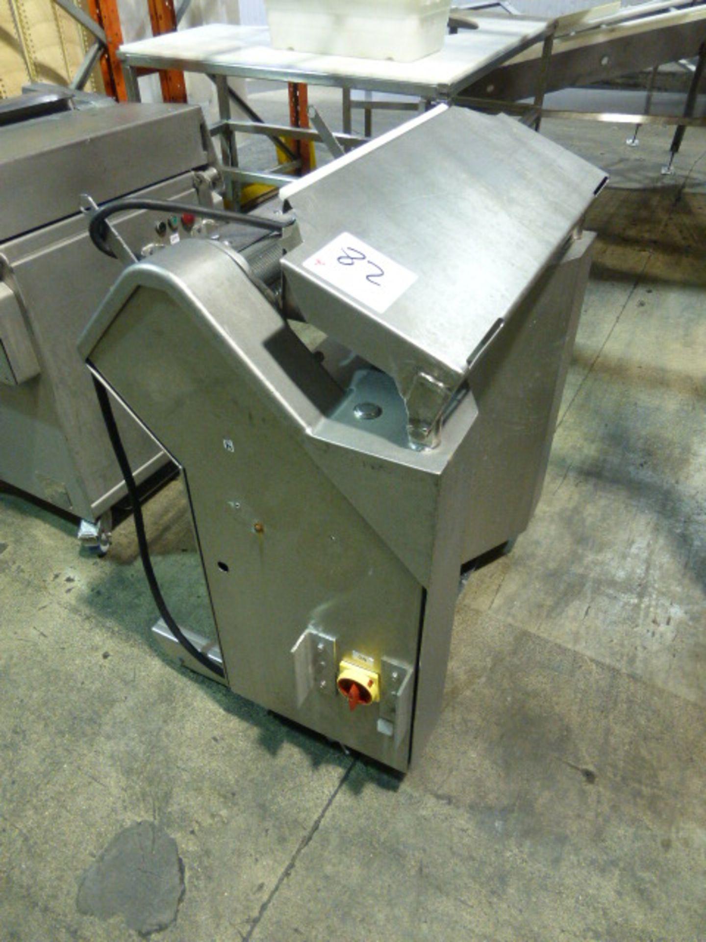 Lot 82 - Townsend membrane skinner, model 7600, ser. no. 2002. s/s, 20 in.