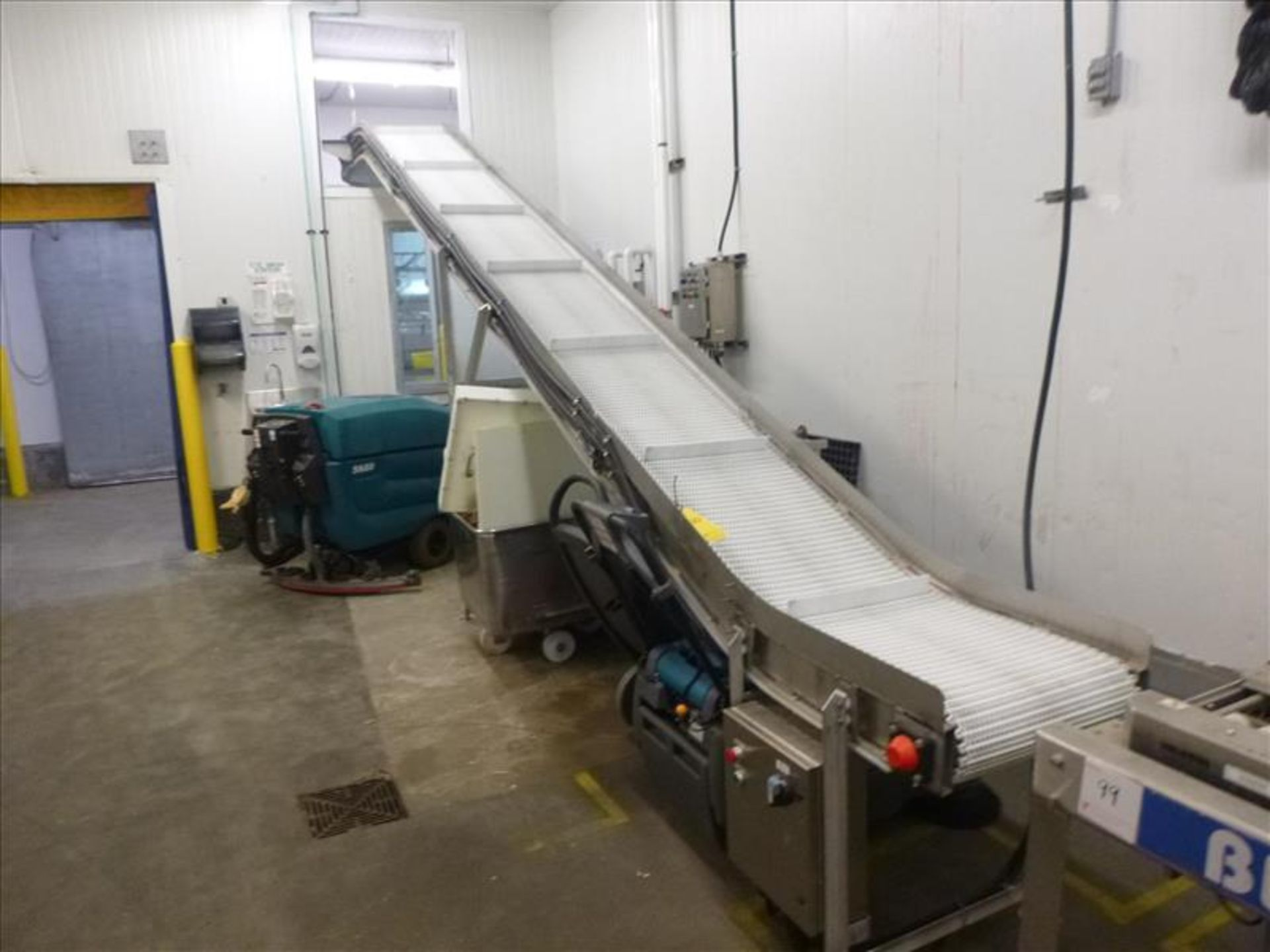 Lot 100 - conveyor, suspended, s/s, powered, fluted interlox belt, approx. 20 in. x 19 ft. inclined + 90