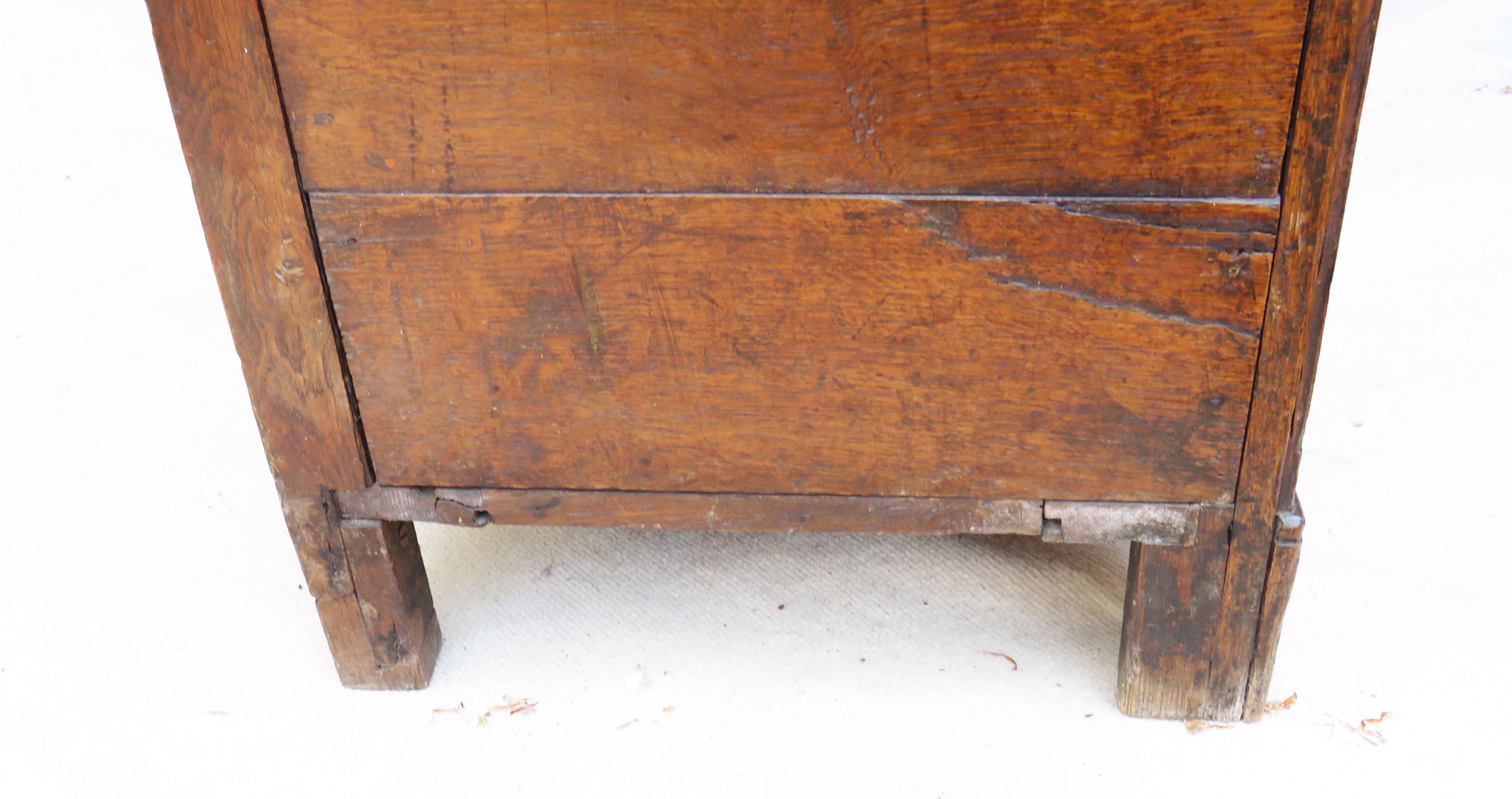 Lot 25 - A 19th Century oak dresser