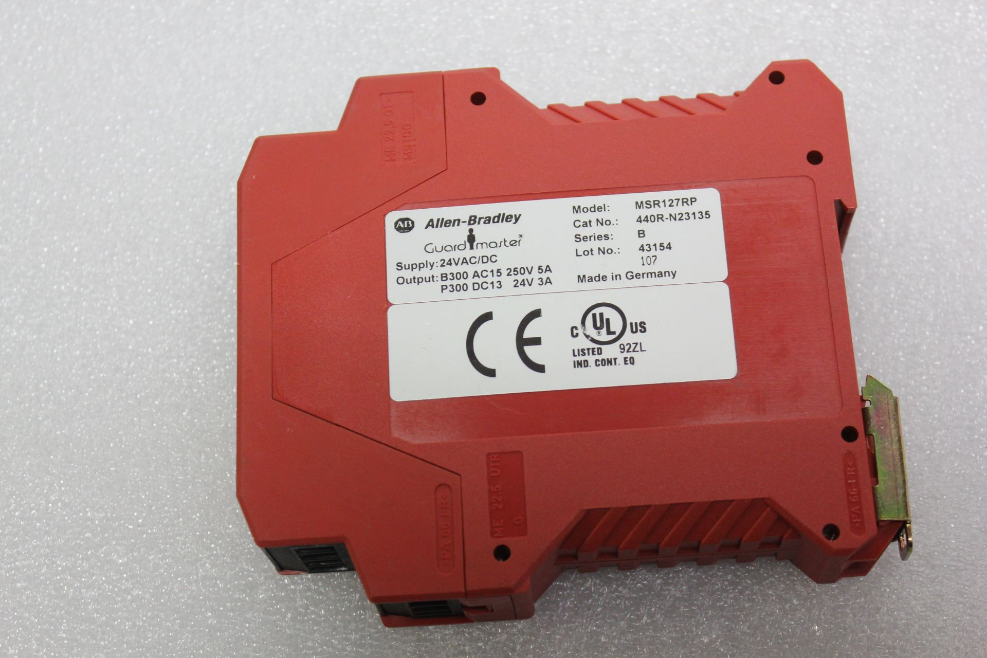 Lot 5 - ALLEN BRADLEY SAFETY RELAY