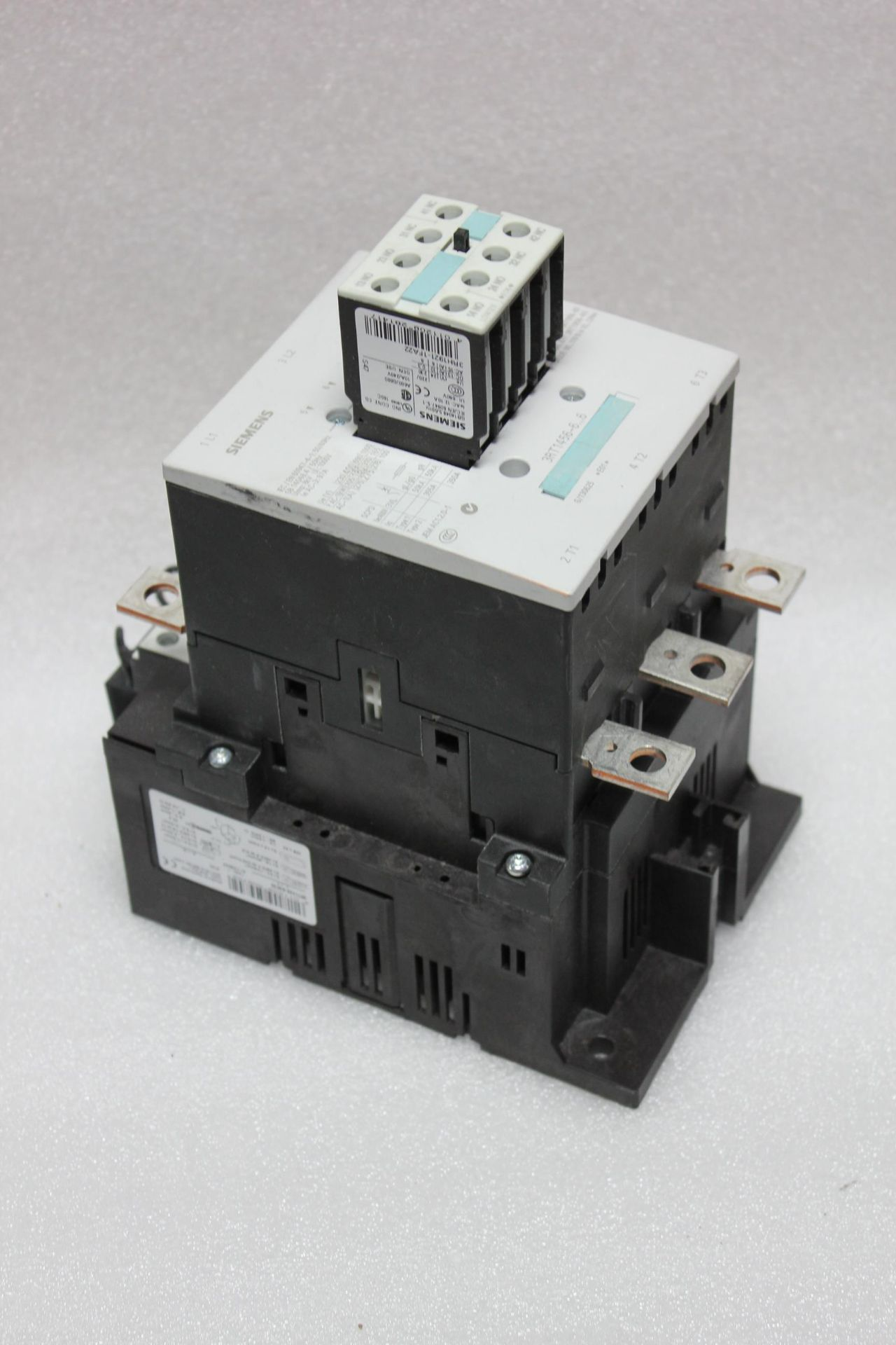SIEMENS 350A CONTACTOR - Image 2 of 9