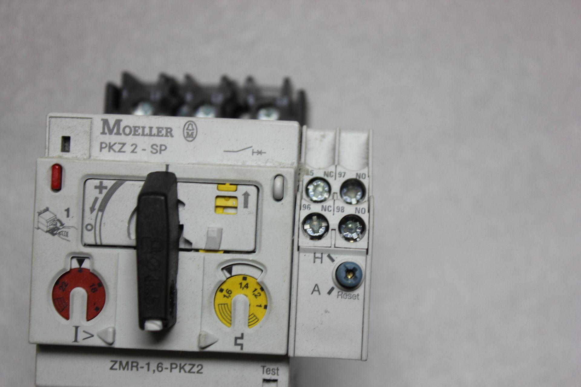 Lot 26 - KLOCKNER MOELLER MOTOR PROTECTOR WITH REMOTE OPERATOR