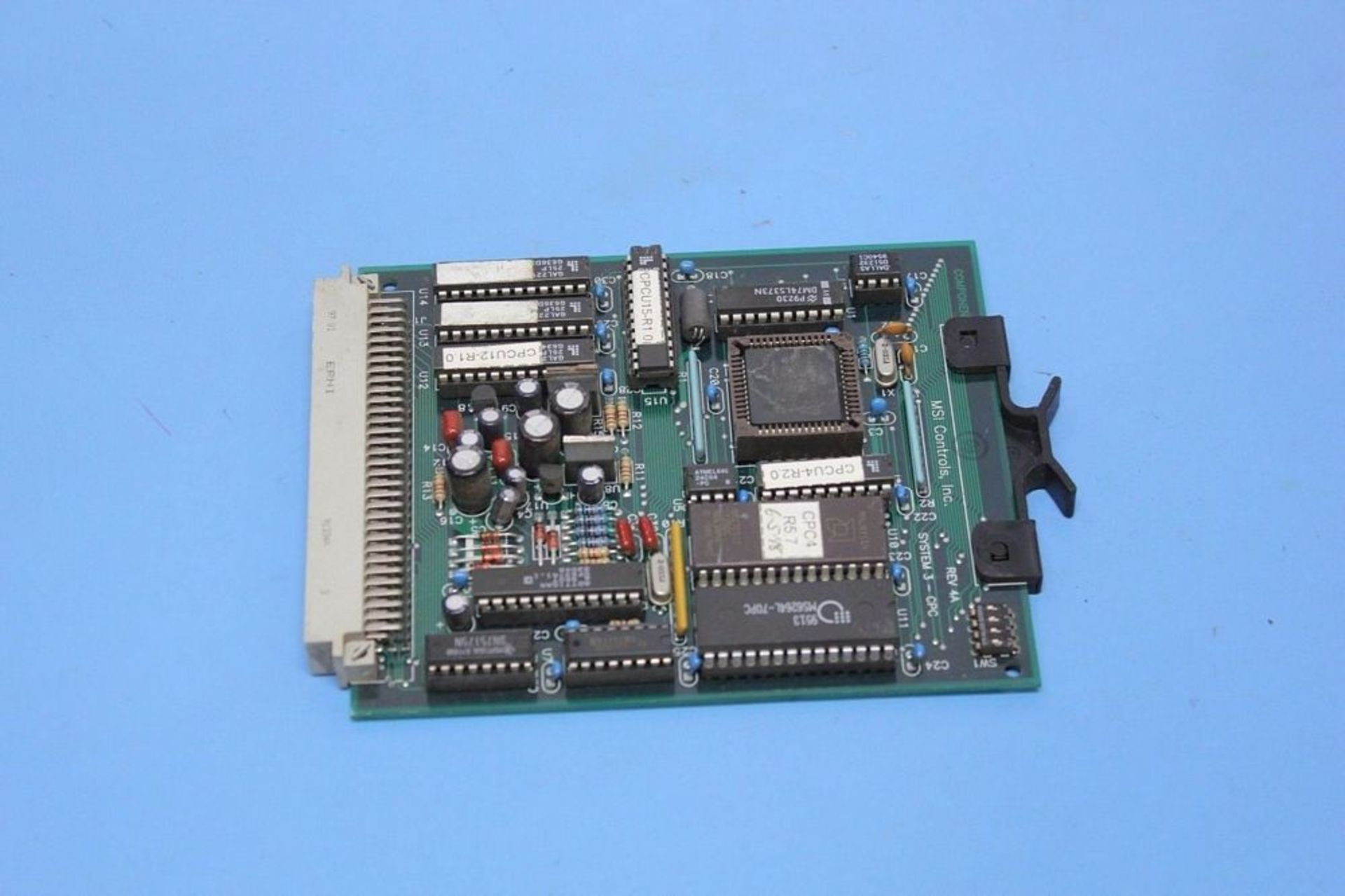 Lot 1132 - AMERICAN MSI HOT RUNNER CPU BOARD